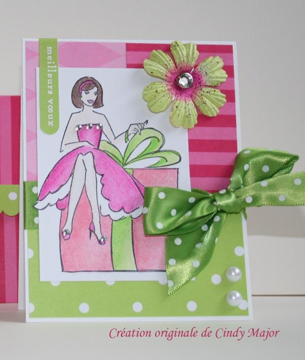Carte dame sur boite cadeau