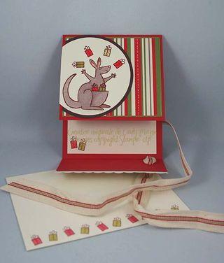 Carte Kangourou et cadeaux_ouvert