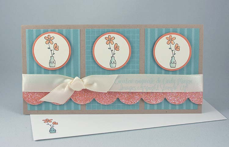 Cartr Trois pots de fleurs et bordure brillante