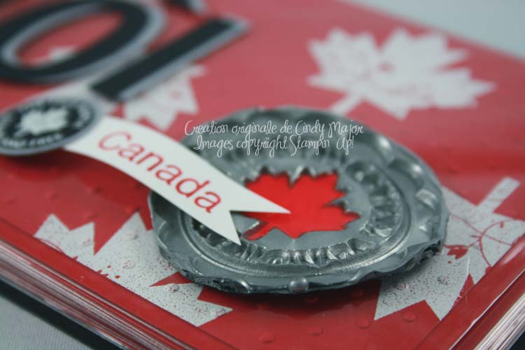Mini album O canada_close up