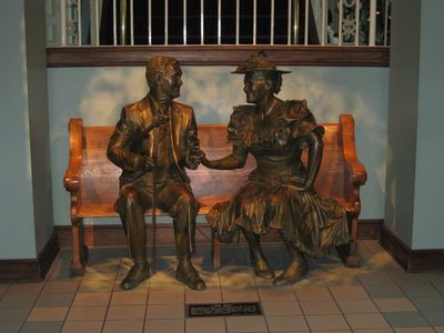 Statue Ryman