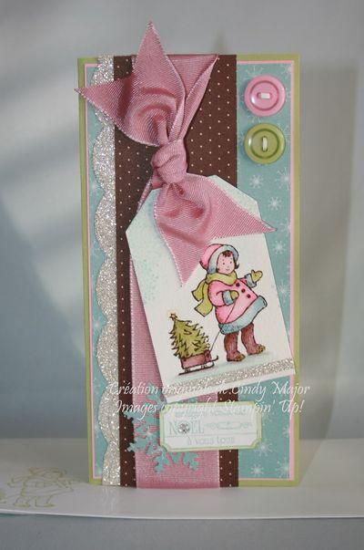 Carte Fillette et sapin boucle rose