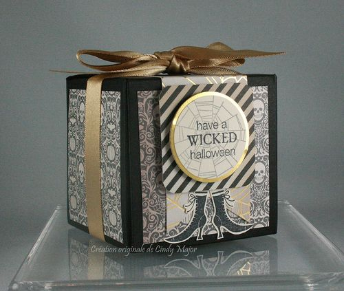 Wicked Cool_Black and Gold Halloween_Cindy Major