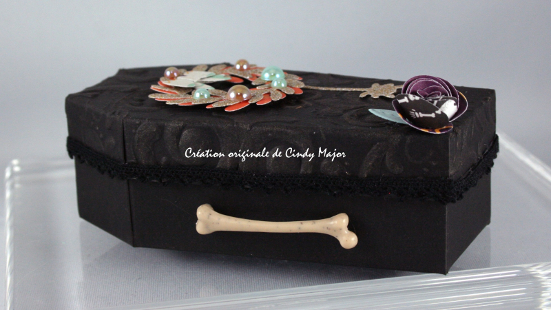 Coffin_Mini Wreath_Rolled Roses_Cindy Major_side