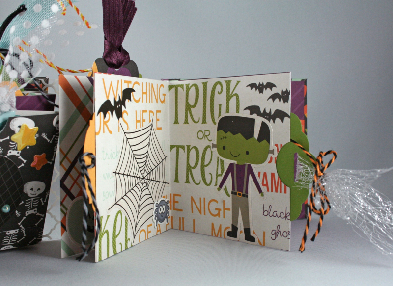Halloween Town Clear Spine Mini-Album_5